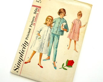 Vintage 1960s Girls Size 2 Robe, Top and Pants with Flower Transfer Simplicity Sewing Pattern 5217 / chest 21 / Cut Complete
