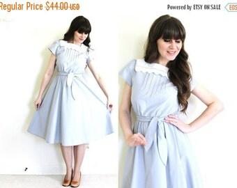 ON SALE Vintage Gray Dress / 1980s Big Lace Collar Full Skirt Dress