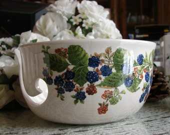 Blackberries! Large Ceramic Yarn Bowl / Yarn Holder