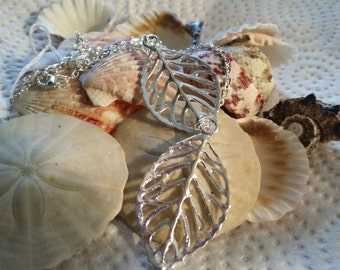 Two Leaves Two Lenghts Necklace