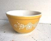 Vintage Pyrex Nesting Bowl Butterfly Gold