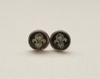 ns-Black and Beige Fleur Brad Stud Earrings