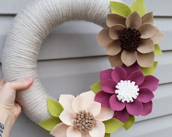 Spring wreath, neutral wreath, yarn wrapped wreath, wool felt flower wreath, summer wreath, large wreath, felt flower, wedding decor
