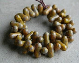 Picasso Yellow Czech glass beads, elongated stick beads, oval glass beads, 9mm  (100pcs)