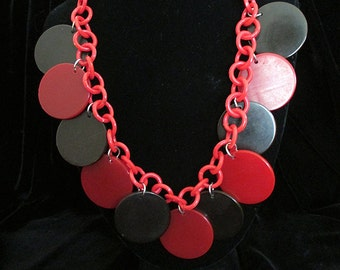 CLEARANCE Bold 1950s' Celluloid Necklace with Large Disks in Red and Black Rockabilly Pinup Girl VLV Vintage Jewelry