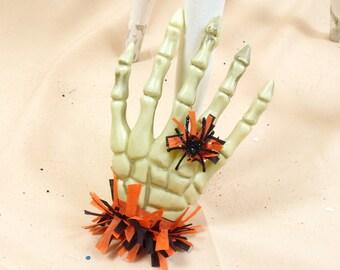 Halloween Decor * Skeleton Hand * Vintage Skeleton Hand * Halloween Decoration * Skeleton Decor * Halloween Ornament * Skeleton Halloween