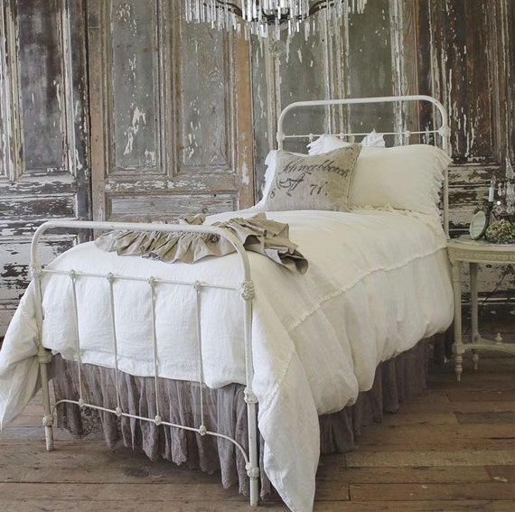 Farmhouse Style Iron Bed