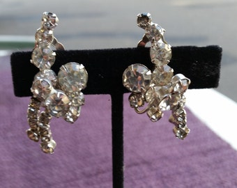 Vintage unsigned silver tone  crystal Earrings clip on