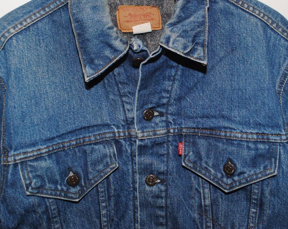 Vintage Levi's Dark Blue Denim Jean Jacket with Troy Blanket Lining Made in USA - Large