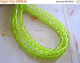 "30% OFF SALE 10 strs - 16"" long (81 pcs) Apple Green Bicone 4mm Beads"