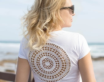 White t-shirt with upcycled vintage crochet doily lacy back - Size S-M