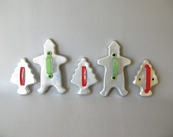 Vintage Metal Cookie Cutters, Christmas tree, Gingerbread man, green red Painted handles