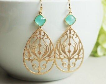 Gold Paisley Earrings. peacock teardrop earrings. gold earrings. matte gold dangle earrings. bridal wedding jewelry
