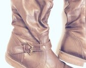 Boots no animal materials a little bit grunge brown vinyl with buckles and low heel 8.5 to 9