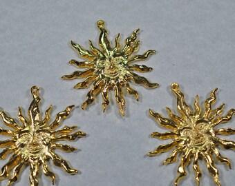 gold color sun, focal pendant, 20mm, #718