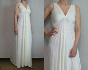 70s DEEP V EMPIRE High Waist Vintage Pleated White 180 Sweep Boho Bohemian Disco Maxi Dress Gown xs Small 1960s 1970s
