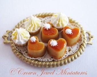 1:12 Honey Carmel Flans & Butterscotch Cupcakes by IGMA Artisan Robin Brady-Boxwell - Crown Jewel Miniatures