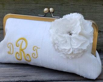 Monogram Bridal Clutch, Monogramed Lace Clutch, Monogram Bridesmaid Purse, Ivory Bridal Clutcc, Handbag {Monogram w/ Lace Flower Kisslock}
