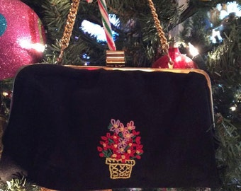 Vintage 1950s 1960s Clutch Bag Purse Handbag Black Fabric Embroidered Flowers Chain Handle