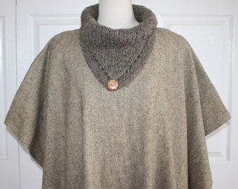 1970s Tweed Wool Poncho . Vintage 70s Boho Hippie Long Wool Cape Coat . Natural Wool Cowl Collar with Wood Button & Fringe . Small Medium