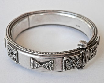 Tribal Bangle Bracelet, Sterling Bangle, 60 Grams, Tribal Silver, Bangle Bracelet, Ethnic Bangle, Middle Eastern Jewelry, Ethnic Jewelry
