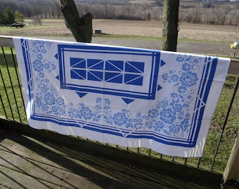 Vintage Blue and White/cream Table Cloth