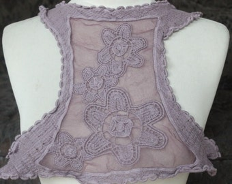 Cute embroidered  applique   1 pieces listing
