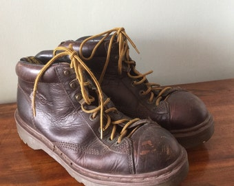 Mens Vintage Brown Dr. Martens England  lace up boots size UK 9 Mens U.S. 10