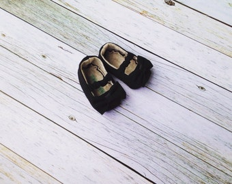 Black Mary Jane Baby Shoes/Moccs with Bows  - Size 0-18 Months