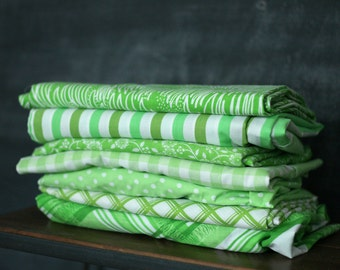 Vintage Sheet Fat Quarter Bundle - Green Mix - Set of 7