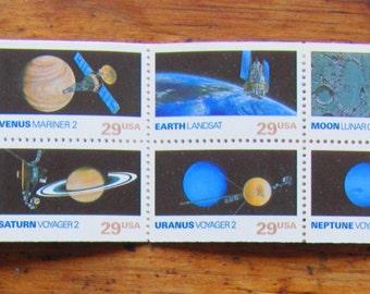Space Exploration 20 Vintage UNused US Saturn Voyager 2 Postage Stamps 29c Booklet Astrophilately Astronomy Planets Satellite Jupiter Pluto