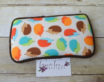 READY TO SHIP, Hedgehogs in Bermuda, Travel Wipe Case, Personalized Case, Diaper Wipes Case, Baby Wipe Case, Baby Shower Gift, Wipe Holder