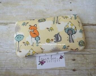 Organic Fox Forest Travel Baby Wipe Case, Diaper Wipes Case, Personalized Case, Diaper Wipe Case, Baby Shower Gift, Diaper Bag Wipe Clutch