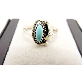 Vintage Sterling Silver Native American Turquoise Feather Ring - Ladies Southwestern Navette Turquoise Ring - Sterling Navajo Turquoise Ring