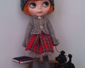 Outfit for Blythe and Pullip: cotton tartan skirt and knitted cardigan