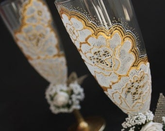 Wedding Glasses Toasting Glasses, Champagne glasses, Hand Painted , set of 2