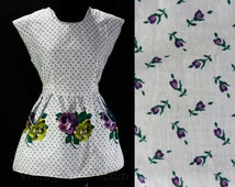 Size Medium 50s Apron - Purple Roses & Rosebuds - 50s House Wife - Kitsch 1950s Floral Cotton - Border Print Blooms - Waist to 29.5 - 46114