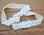 Ivory embroidered flower lace garter,  pearl beaded lace wedding garter set, bridal garter lace flower garter