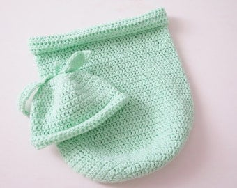 Baby cocoon , christmas baby outfit , crochet baby cocoon , green cocoon , baby cocoon and hat set , baby photo prop , crochet baby hat