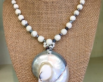 Mother of Pearl Shell Necklace 19""