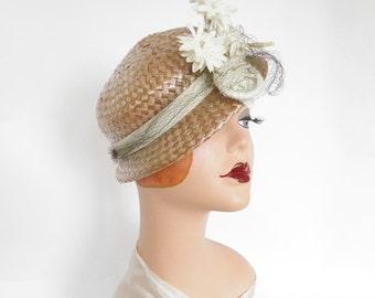 Vintage tilt hat, mauve straw with white flowers, excellent