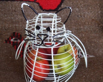 Vintage Cat Wire Basket. Great as Planter, For Eggs, Fruits, Spools, Shells or other Treasures.