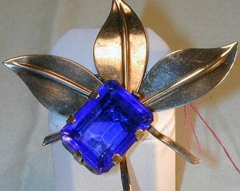 Bold Vintage 1940's Blue Stone Leaf Brooch