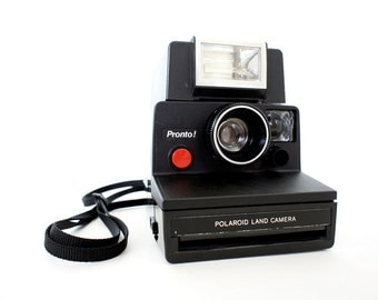 Black Polaroid Camera Pronto SX-70 & Eletronic Flash - Film Tested Working