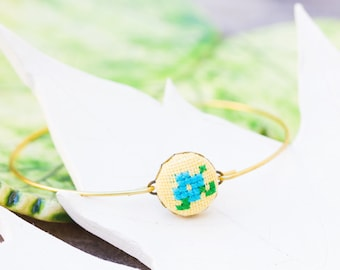 Tiny violet bangle bracelet in yellow and blue, stackable bracelet br004yellow
