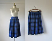 vintage Pendleton skirt / blue plaid wool skirt