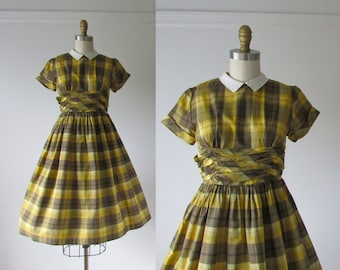 SALE vintage 1950s dress / 50s dress / Yellow Schoolbus