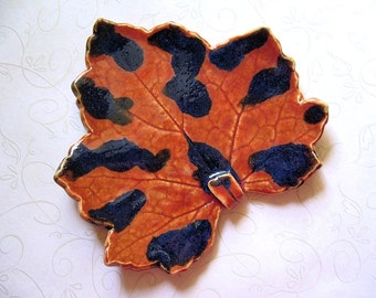 Ink Spots Pottery Leaf Spoon Rest