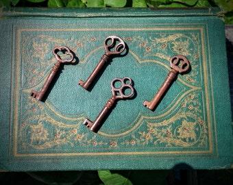Antique Skeleton keys - set of 4