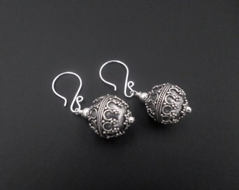 Sterling Silver Earrings, Silver Bead Earrings, Ball Dangle Drop Earrings, Sterling Silver Jewelry, Pattern Earrings, Bali Oxidized Earrings